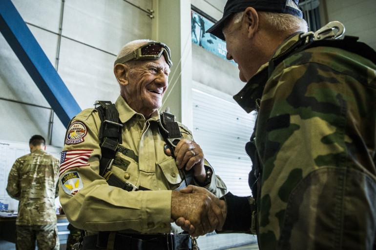 Tom Rice avait déjà sauté en parachute en 2019 à l'âge de 97 ans pour le 75e anniversaire du D-Day (illustration).