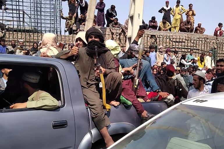 Des talibans, dans la ville de Jalalabad, au nord-est de l'Afghanistan, le 15 août 2021