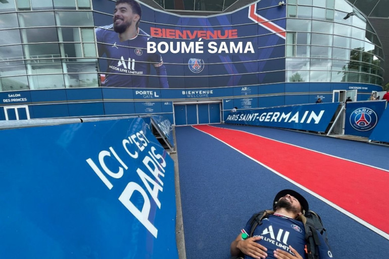 Boumé Sama à son arrivée au Parc des Princes le 18 août 2021.