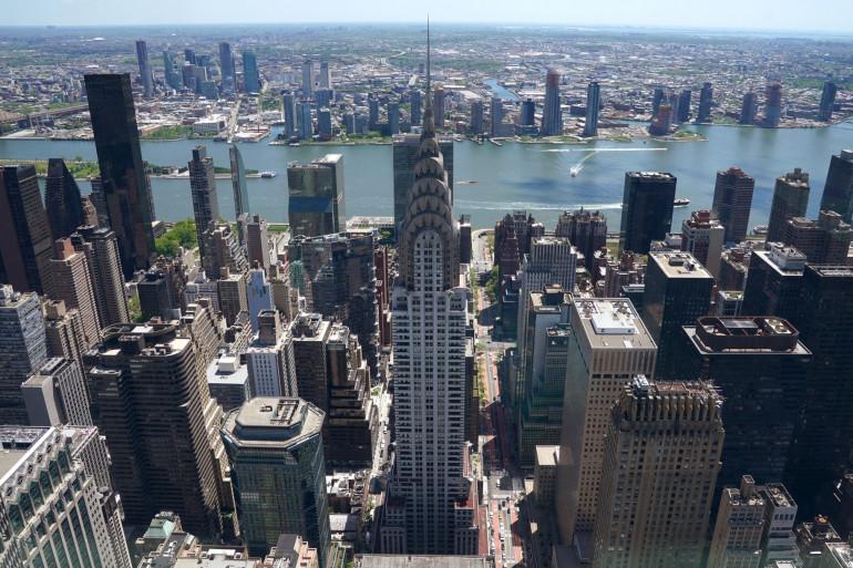 Une vue du Chrysler Building depuis l'observatoire Summit One Vanderbilt lors d'un aperçu presse le 11 mai 2021, à New York.