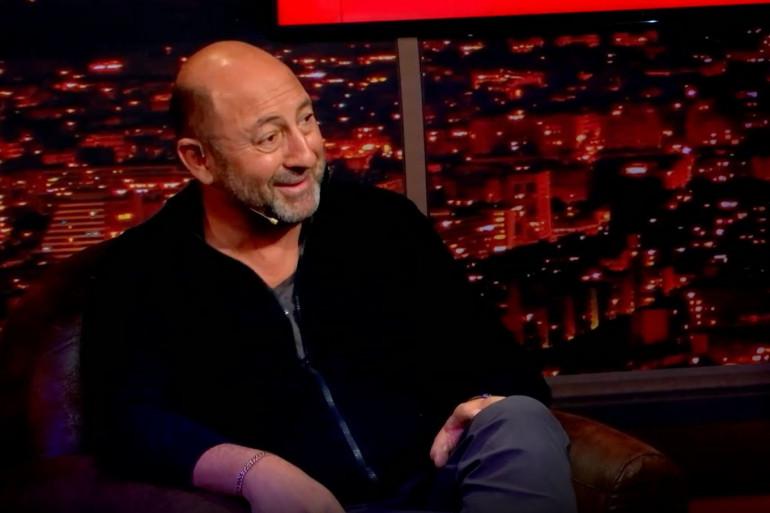 """Kad Merad sur le plateau de l'émission """"Le Bon Dimanche Show""""."""