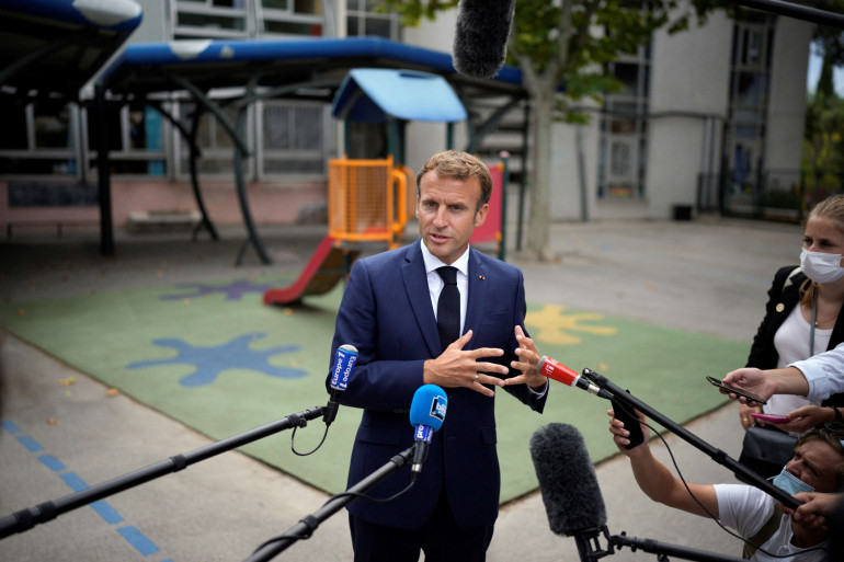 Le président Emmanuel Macron en déplacement à Marseille, à l'Ecole Bouge, le 2 septembre 2021.