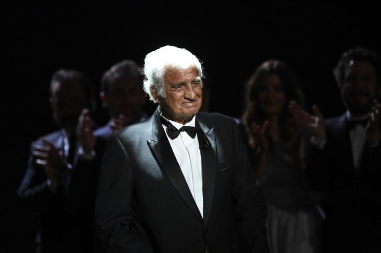 Jean-Paul Belmondo lors de la 42e édition de la cérémonie des César à la Salle Pleyel à Paris le 24 février 2017.
