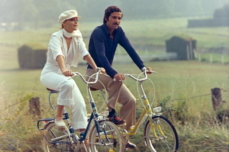 """Nino Castelnuovo aux côté de Romy Schneider dans """"Un amour de pluie"""" en 1974"""