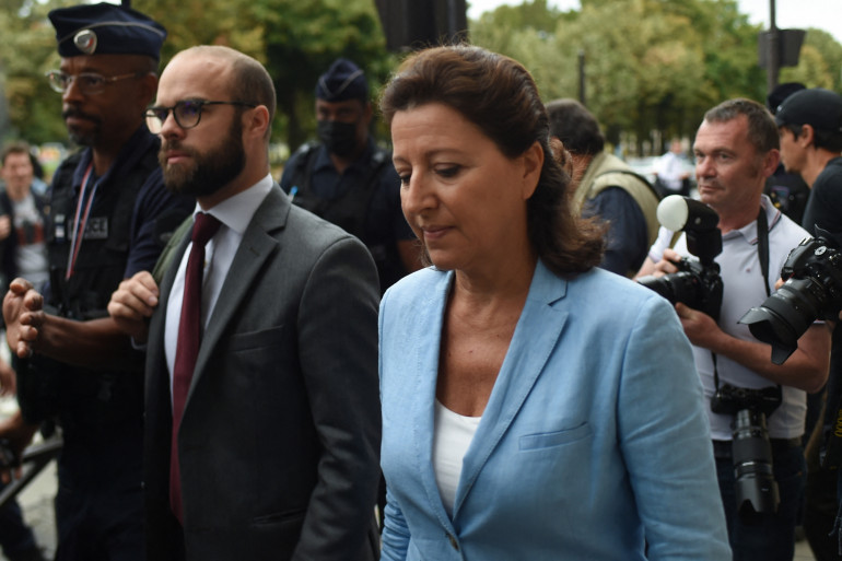 Agnès Buzyn le vendredi 10 septembre devant la Cour de justice de la République à Paris.