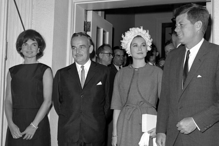 Jackie Kennedy, le prince Rainier de Monaco, Grace Kelly et JFK en 1961 à la Maison Blanche