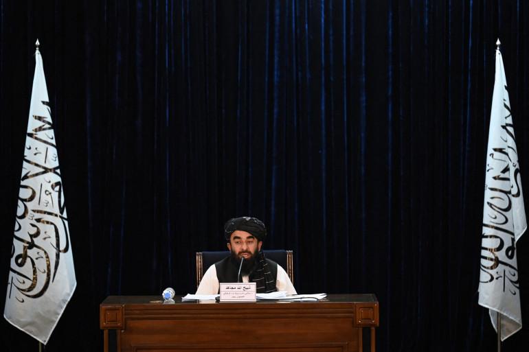 Le porte-parole des talibans annonçant le nouveau gouvernement, le 7 septembre 2021