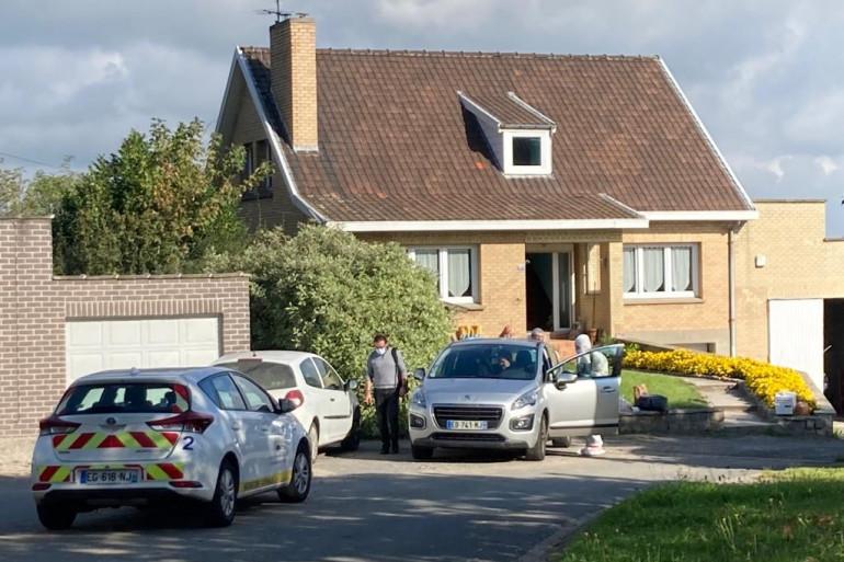Les investigations sont toujours en cours à Bousbecque où un homme de 70 ans a été tue cette nuit sous les yeux de sa femme.