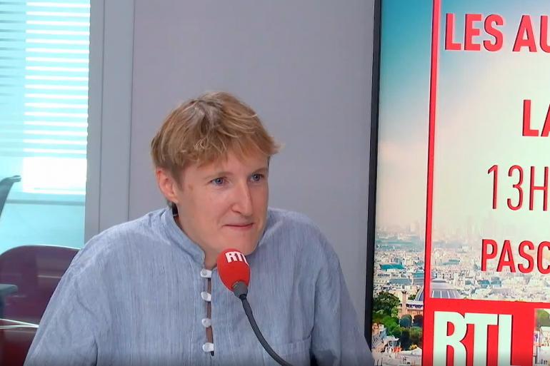 Alice Coffin au micro de RTL.