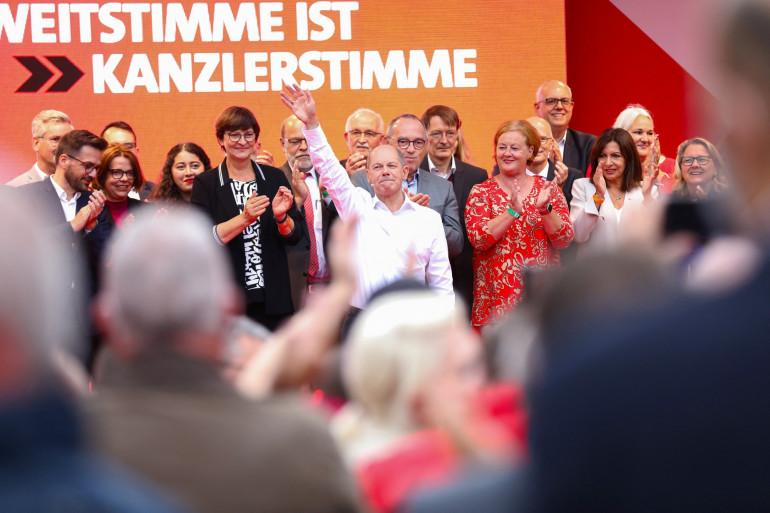 Le candidat du parti social-démocrate SPD à la chancelier Olaf Scholz, le 24 septembre à Cologne en Allemagne.