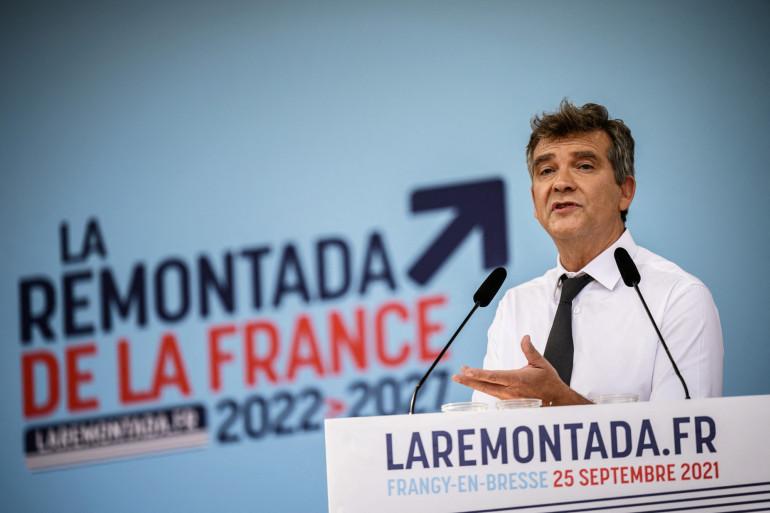 Arnaud Montebourg prononce un discours lors de la Fête de la Rose à Frangy-en-Bresse, le 25 septembre 2021.