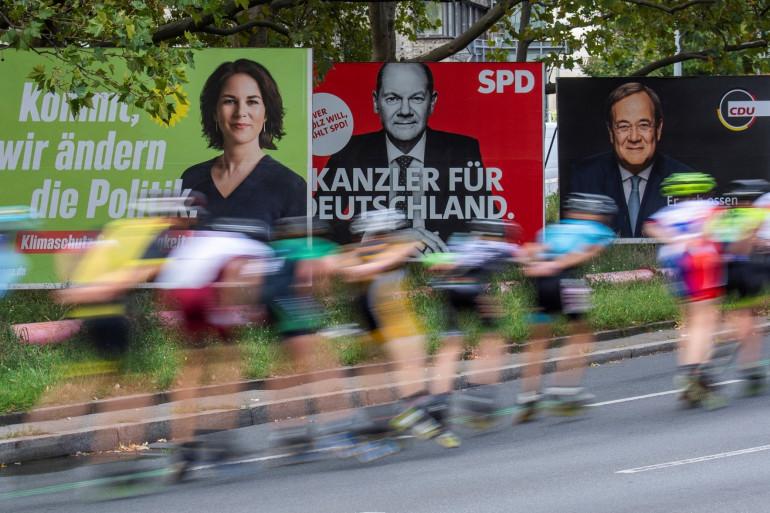 Des affiches de campagne électorale à Berlin montrant les trois candidats aux élections fédérales du 26 septembre, Annalena Baerbock (Die Gruenen), Olaf Scholz (SPD) et Armin Laschet (CDU).