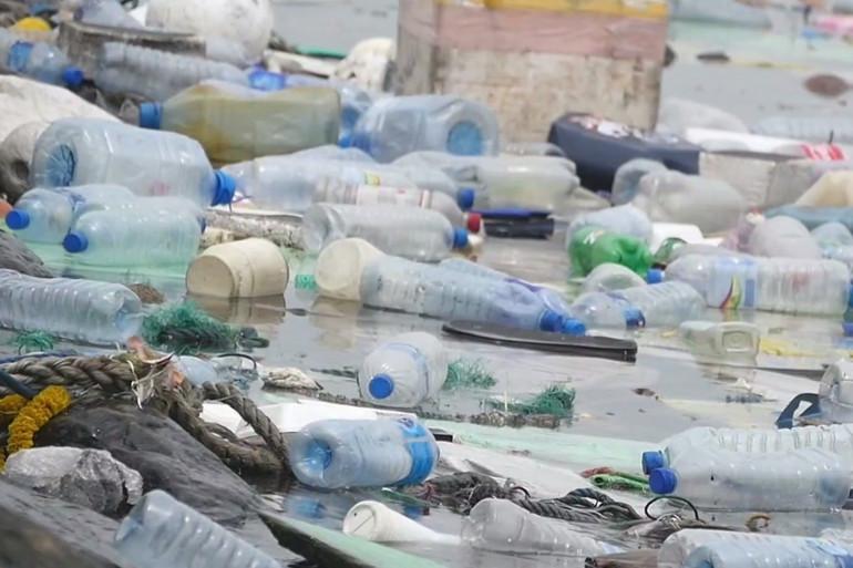 Le recyclage plastique (illustration)