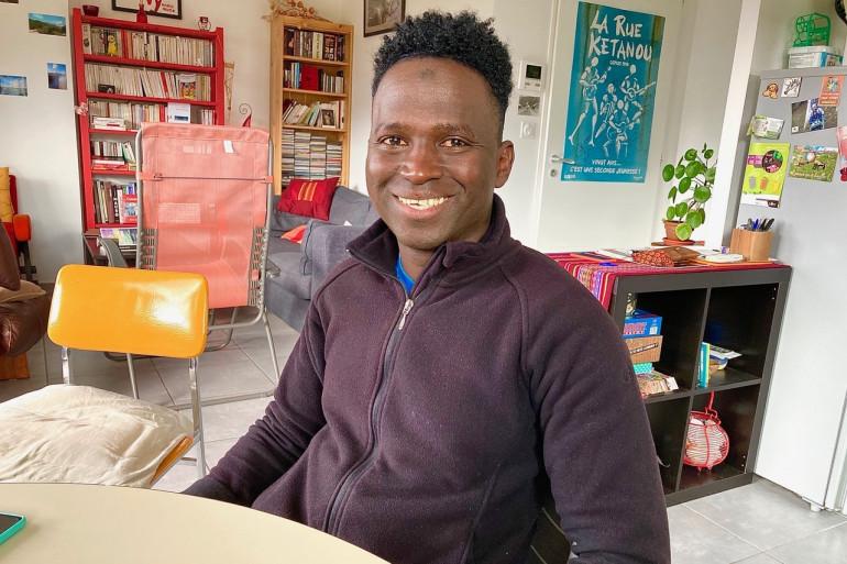 Mamoud Diallo, jeune migrant guinéen dont la demande de naturalisation a été rejetée par la préfecture de l'Isère malgré son acte héroïque.
