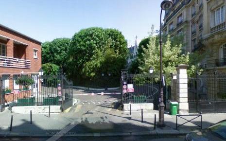 L'entrée de la villa Montmorency, dans le 16ème arrondissement de Paris