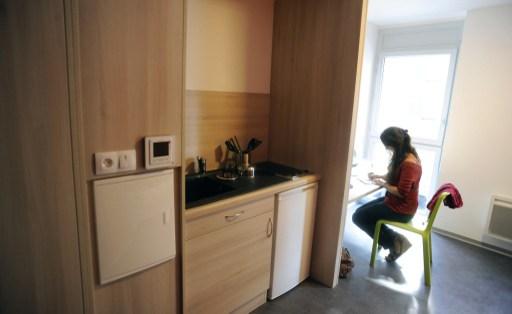 Une étudiante à Toulouse dans un logement étudiant en septembre 2013.