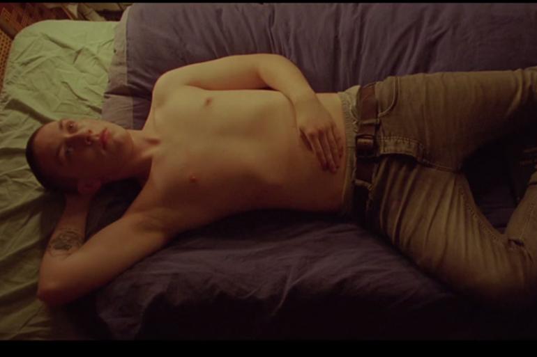 """Capture d'écran du clip de """"Every Breaking Wave"""""""