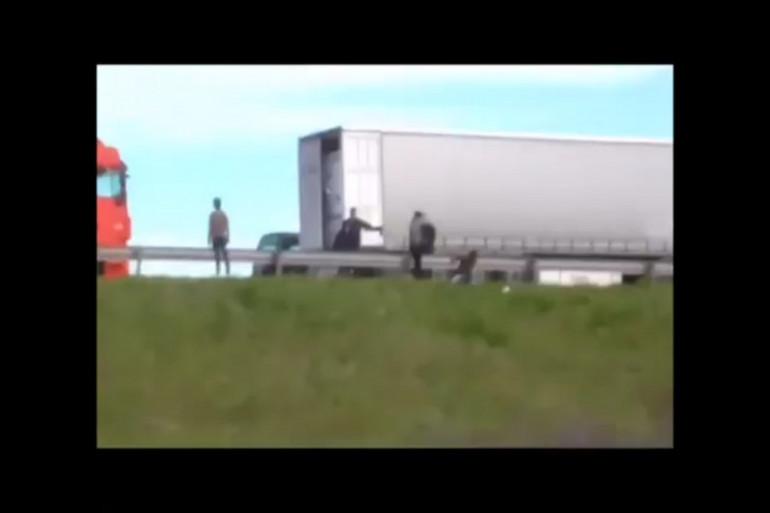 Capture d'image de la vidéo publiée par Calais Migrant Solidarity