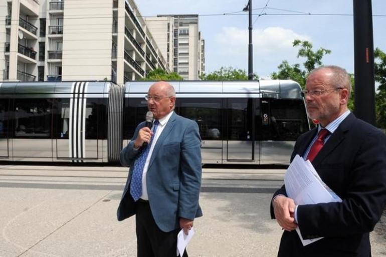 1er bilan du maire de Tours (photo NR Patrice Deschamps)