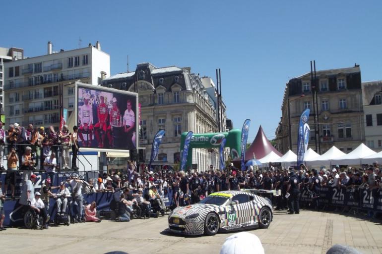 Pesage des 24 Heures du Mans place de la République le 8 juin dernier