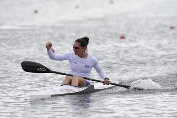La-kayakiste-tourangelle-Sarah-Guyot
