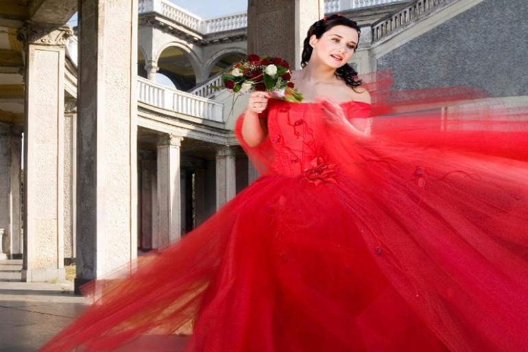 les robes de mariées étaient rouges jusqu'au 19eme siècle
