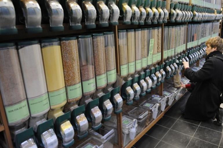 des produits bio au supermarche biocoop paris