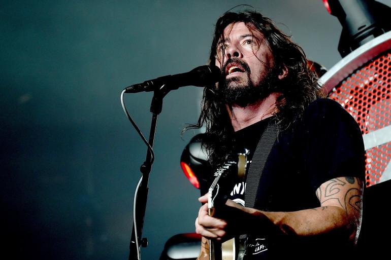 Dave Grohl, des Foo Fighters, a dédié le nouvel EP du groupe aux victimes des attentats de Paris
