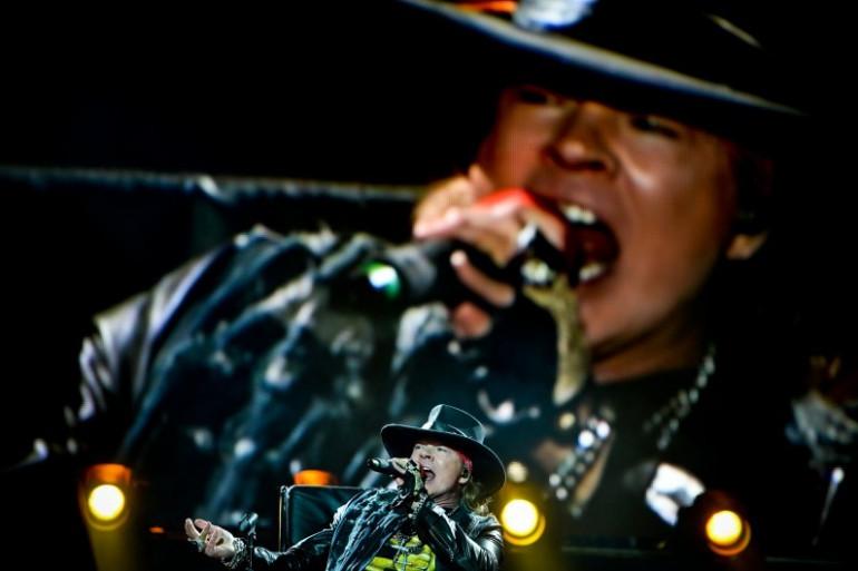 Axl Rose chante pour AC/DC