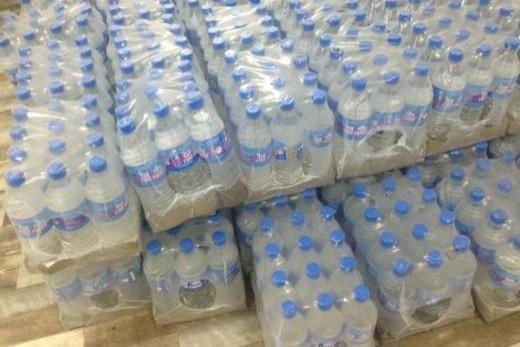 Distribution de bouteilles d'eau à Preuilly-sur-Claise