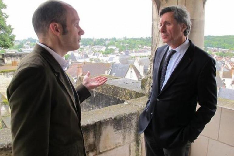 Patrick de Carolis au côté du directeur de la cité royale de Loches Jean-François Thull (photo NR)