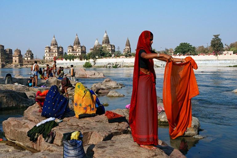 Karine Pigeau via son association Les enfants papillons recherche six bénévoles pour un voyage en Inde.