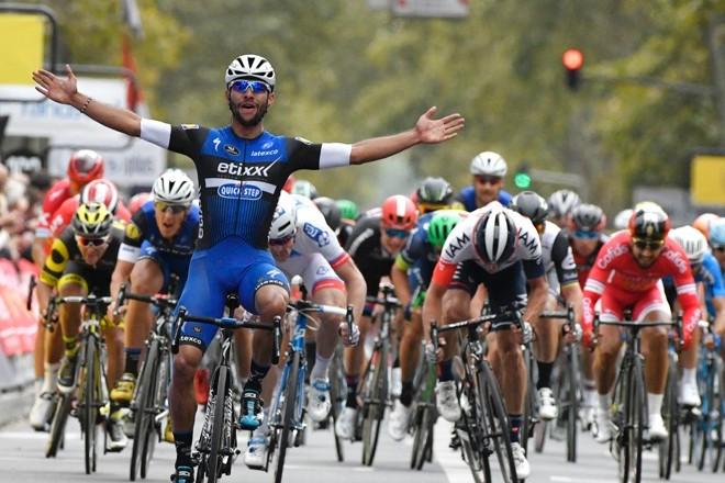 Paris-Tours 2016: victoire du Colombien Fernando Gaviria.