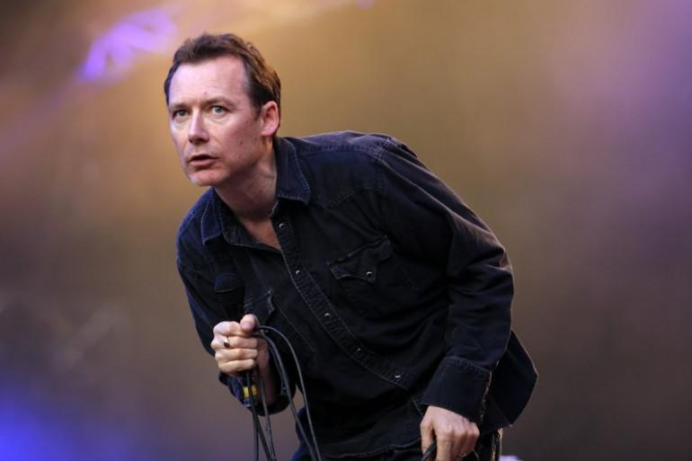 Jim Read, chanteur du groupe écossais The Jesus and Mary Chain, au festival Rock en Seine en août 2007.