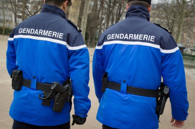 Des gendarmes en fonction