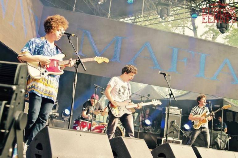 Le groupe Johnny Mafia sur la scène de la Loggia aux Eurockéennes de Belfort