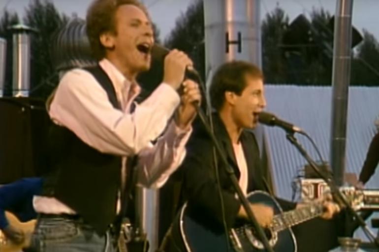 Paul Simon et Art Garfunkel lors de leur concert à Central Park