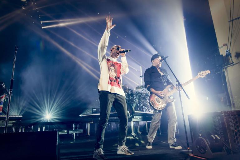 Dave Farrell (droite) et Chester Bennington (gauche) de Linkin Park le 4 juillet 2017 à Londres.
