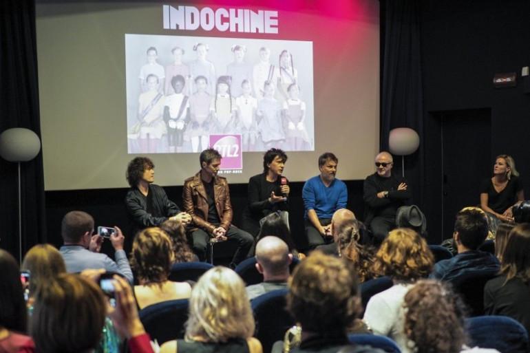 """Indochine a répondu aux questions des fans lors de l'écoute de """"13"""" organisée pour RTL2"""