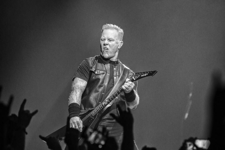 Jame Hetfield, le charismatique leader de Metallica, fait le show