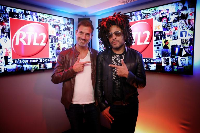 Grégory Ascher et Lenny Kravitz dans les studios de RTL2