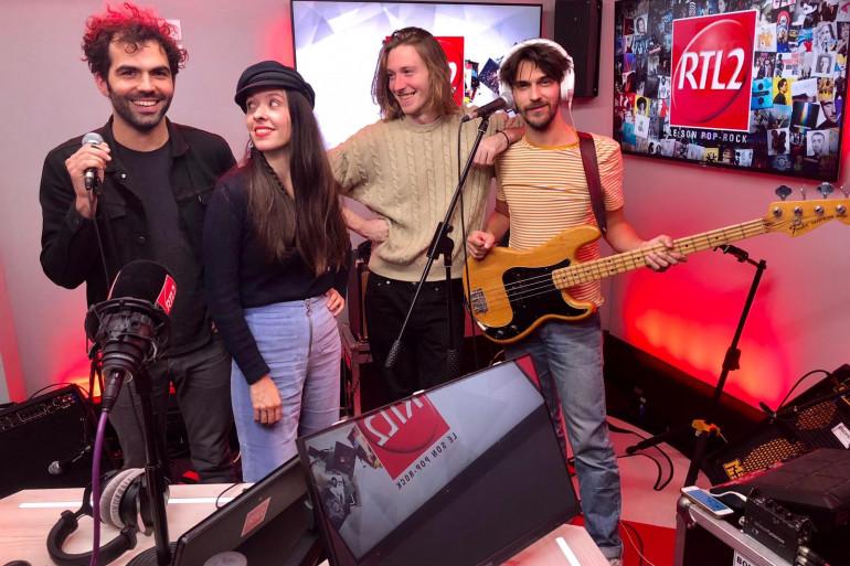 Le groupe Minuit dans les studios de RTL2