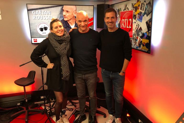 Gaëtan Roussel en compagnie de Justine Salmon et Grégory Ascher du Double Expresso RTL2