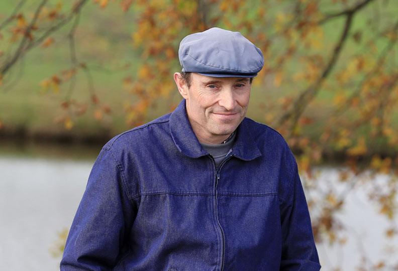 Éric, 49 ans, éleveur de vaches allaitantes et de moutons en région Bourgogne - Franche-Comté