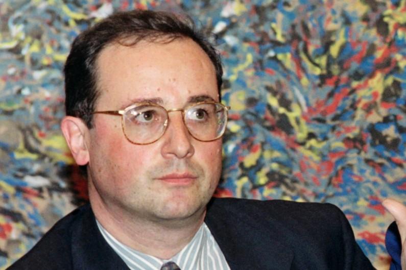 En 1993, François Hollande optait pour une monture un peu moins discrète