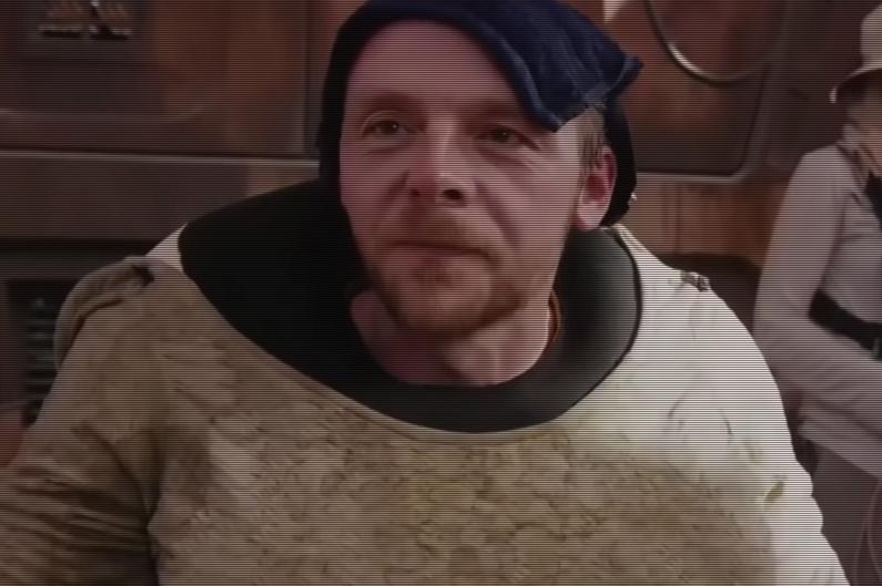 """Simon Pegg incarne l'alien Unkar Plutt dans """"Star Wars : Le Réveil de la Force"""""""