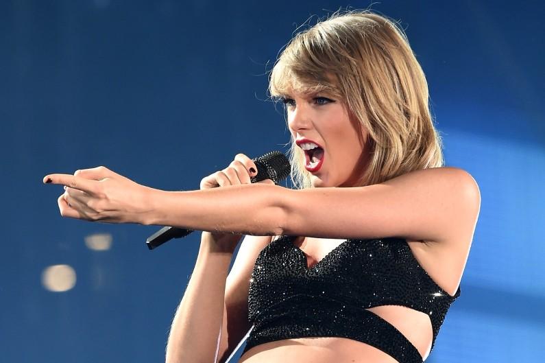 Taylor Swift a notamment fait plier le géant Apple en 2015. Avec Calvin Harris, ils sont le couple le plus puissant et le mieux payé du monde