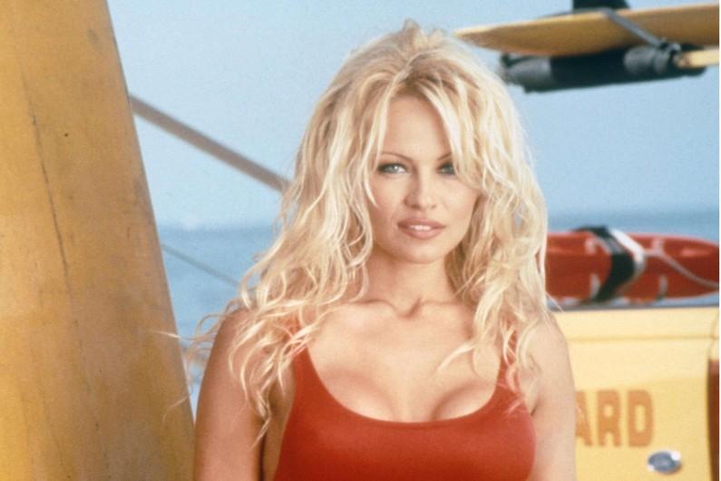 Pamela Anderson a fait rêver des générations de téléspectateurs en tant que J.C. Parker