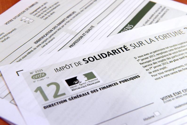 Photo prise d'un imprimé de déclaration de l'impôt de solidarité sur la fortune (ISF) pour l'année 2012. (archives)