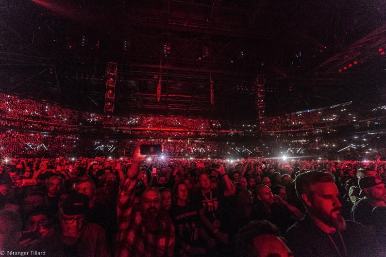 37.653 spectateurs étaient présents pour voir le groupe quinquagénaire.
